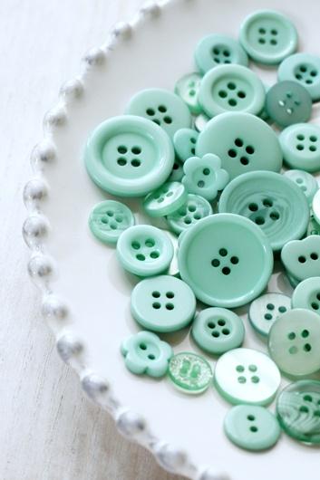 Mint Buttons.Ideas | inspiration | beautiful | pastel shades | gorgeous | blush | mint | pastel