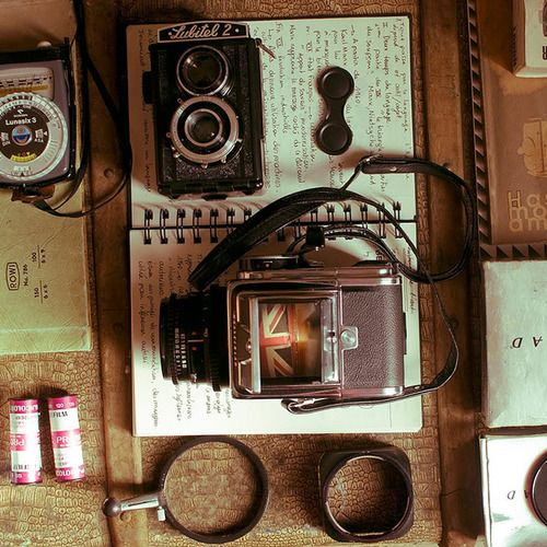 image via: Bricks and BeliefsMy Sons, Vintage Looks, Vintage Wardrobe, Vintage Cameras, Desks, Things, Antiques, Photography Equipment, Old Cameras