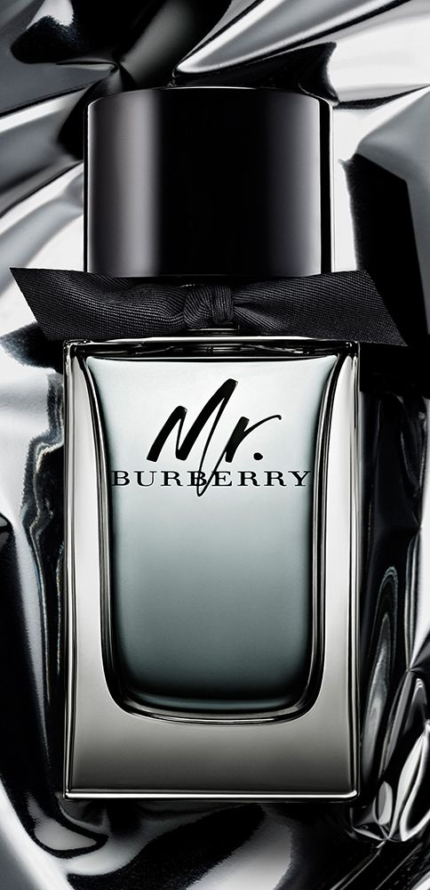 Classic yet contemporary. Add a complimentary monogram, with up to three initials, to your bottle of Mr. Burberry fragrance for a unique gift.