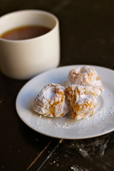 Incredibly delicious 4-ingredient chewy almond macaroons. (Okay, 5 if you count the powdered sugar.)