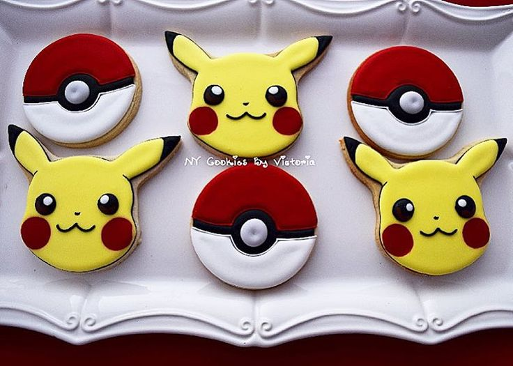 Pikachu - Pokeball cookies