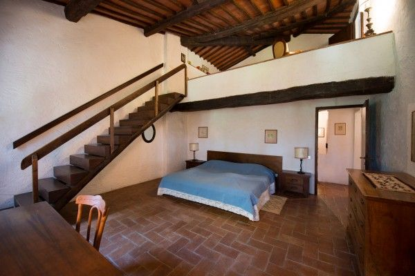 #twolevels #bedroom #wooden  #beams