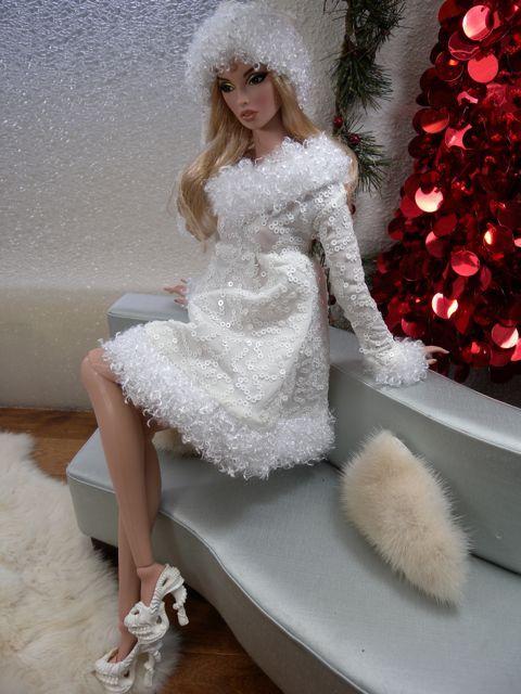 Snow White Dress Amp Hat Beauty Fashion Of Barbie Beauties