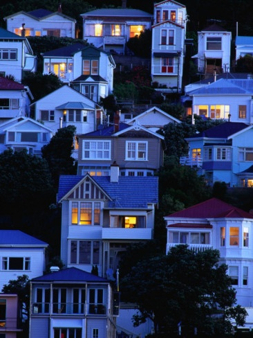 Houses on the hillside at Oriental Bay, Wellington