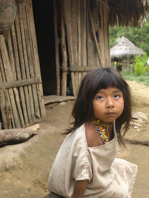 Columbian girl by Vagamundos.net/Carlos Olmo, via Flickr