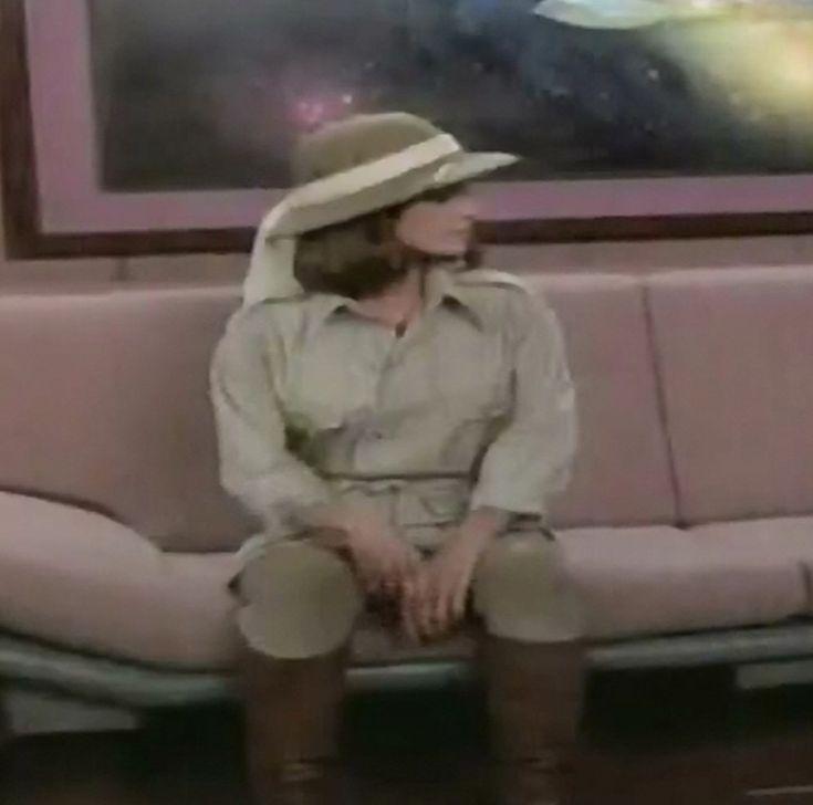 Jennifer Hetrick as Vash in ST TNG Qpid 01