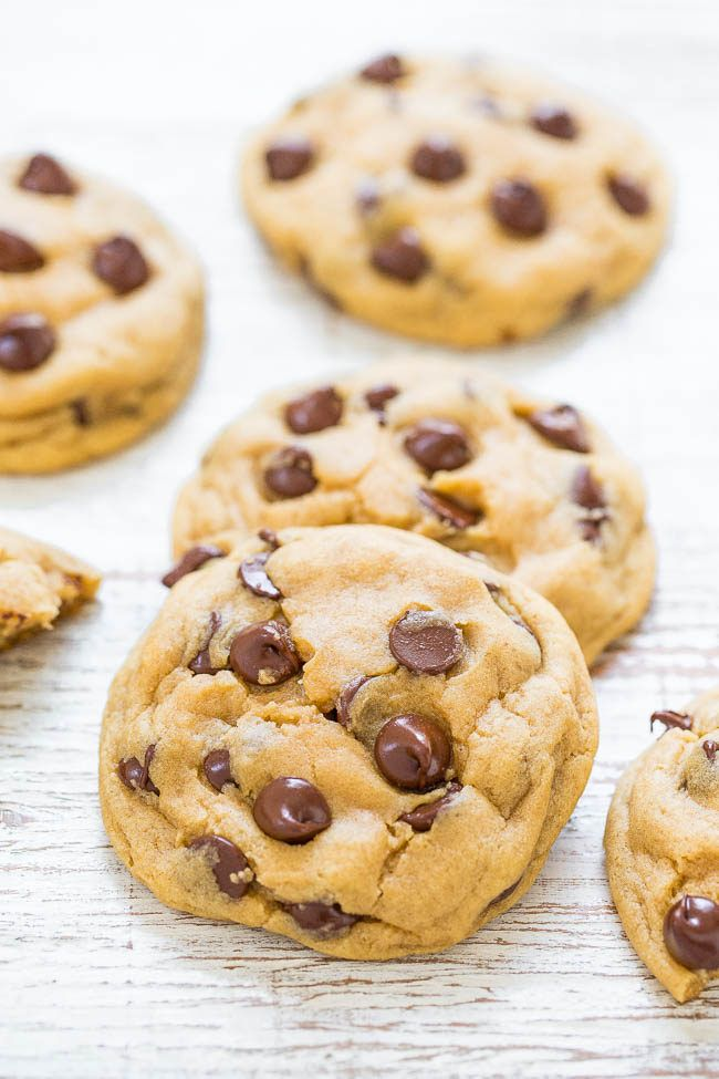 Easy Soft and Chewy Chocolate Chip Cookies