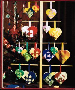 Woven heart patterns for Swedish paper heart ornaments