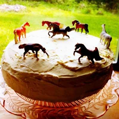 Off Cakes, Horse Cake, Decor Ideas, Birthday Horses, Birthday Parties ...