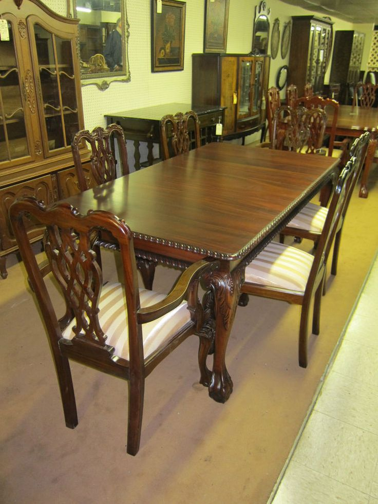 SOLID CARVED MAHOGANY DINING TABLE BALL & CLAW FEET 6 SOLID MAHOGANY CHAIRS