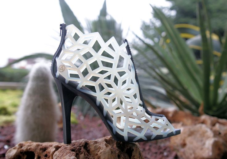 Our 3D printed sandals. #3dprinting #shoes #technology #luciani