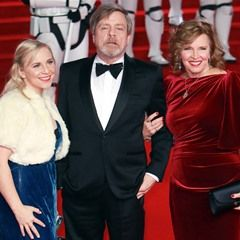 Mark Hamill his wife Marilou York and their daughter Chelsea Hamill attend the Star Wars premiere