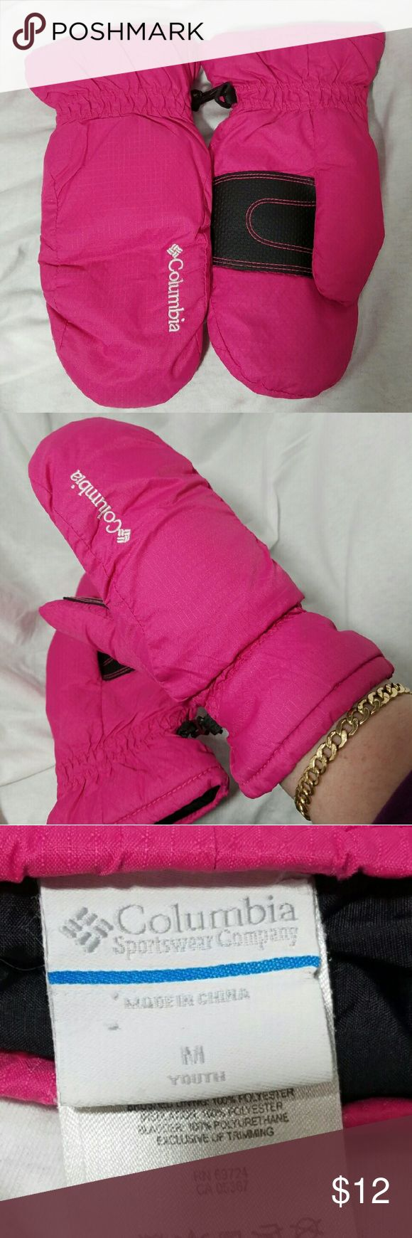 """COLUMBIA Youth Sz MED Hot Pink Mittens Brand: Columbia  Item: *Deep Color yet not Dark Hot Pink Mittens *They Are Youth Size Medium - I am an adult with Small Hands and they Fit Me Perfectly. *I Certainly Can't Promise They Would Fit All Adult Women but I Think Girls in Their Young Teens Wouls Have No Problem. *They Measure Across the Palm 4.25"""" and 9"""" for Total Length *There Was a Seam on the Right Glove Near Where the Thumb Stitching Was Coming Undone - I Sewed it All back, Same Color. EUC…"""