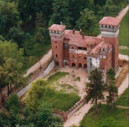 rovasenda.jpg (413×407)castello di rovasenda