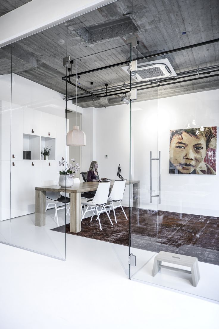 17 best ideas about glass walls on pinterest black rug - Office space interior design ideas ...