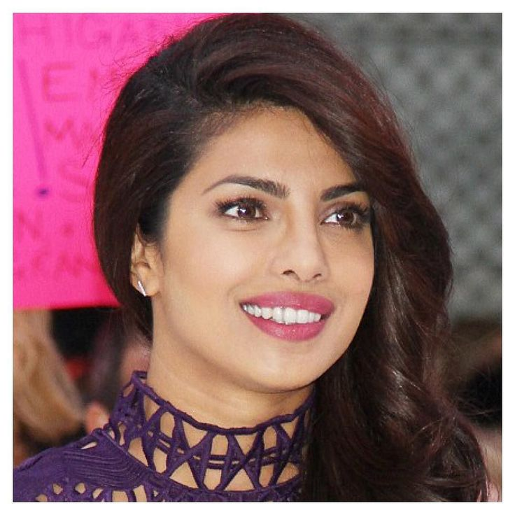 #Quantico #actress @priyankachopra wearing our #ALEXMIKA Bar #Earring on #GMA  Shop this look on alexmikajewelry.com [link in bio] @abcquantico #jewelry #goodmorningamerica #shopitrightnow