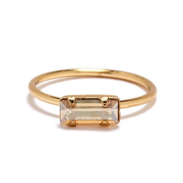 Bing Bang - Tiny Baguette Ring