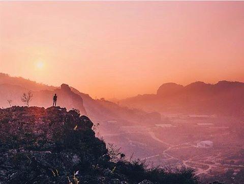 fantastic picture by #bandungphotographer @poongski    taken at: Stone Garden Padalarang    wanna get reposted here? tag @bandungphotographer and dont forget to use  #bandungphotographer   #photographerbandung #pengenkebandung #pengentraveling #indonesiaphotographers #fotograferbandung #bandungjuara #bandung #photographer #photooftheday #katabandung #rindubandung