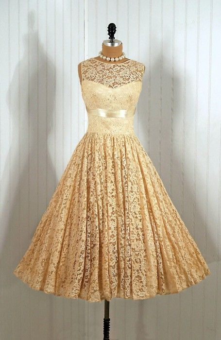 vintage by autumn  i'd probs never wear this but its still gorgeous