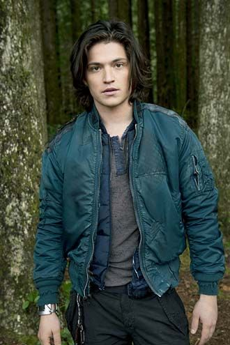 The 100 CW TV Show | The 100 Pictures, Thomas McDonel Photos - Photo Gallery: Thomas ...