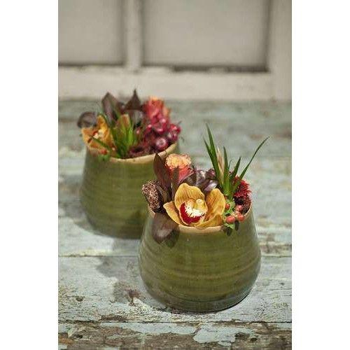 Pot Arbaz verkrijgbaar in de maten 8,8x7,7 cm en 12,6x10,5 cm en in de kleuren Olijf groen, Blauwgroen en Licht paars