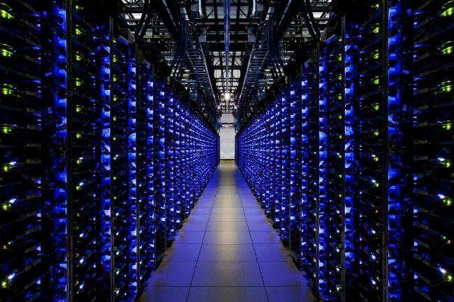 Centro de Datos de Google. El centro inaugurado en 2006 fue un secreto durante mucho tiempo; el lugar en el que la información de una de las empresas más importantes del mundo reside es un complejo del que poco se sabe, pues quien logra entrar debe firmar cláusulas de confidencialidad para no revelar ningún tipo de información.