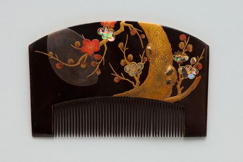 Umematsu month pattern Makie Raden comb _ sheep 遊斎 (Kao) [Edo later period]