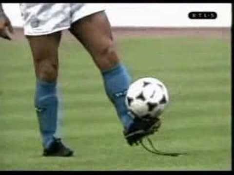 """-La vida tombola por Manu Chao -videos de Diego Maradona -subjunctive and conditional """"si yo fuera Maradona"""""""
