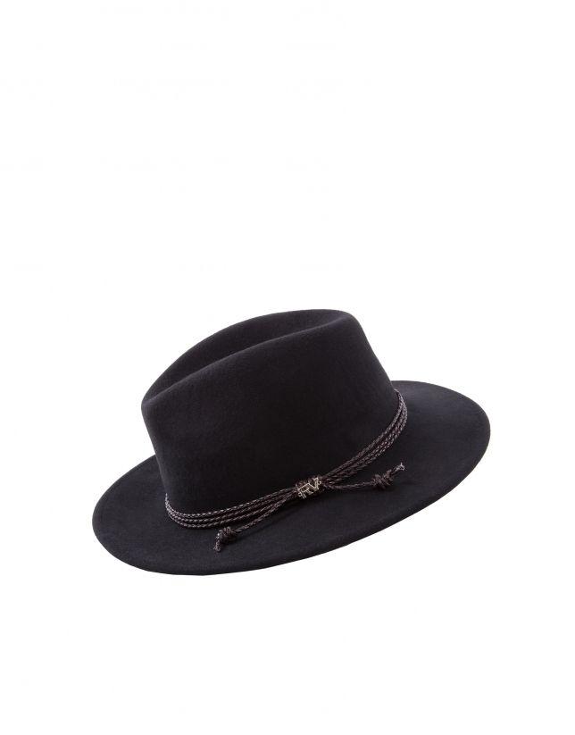 Sombrero de mujer, en fieltro negro con trenza en piel