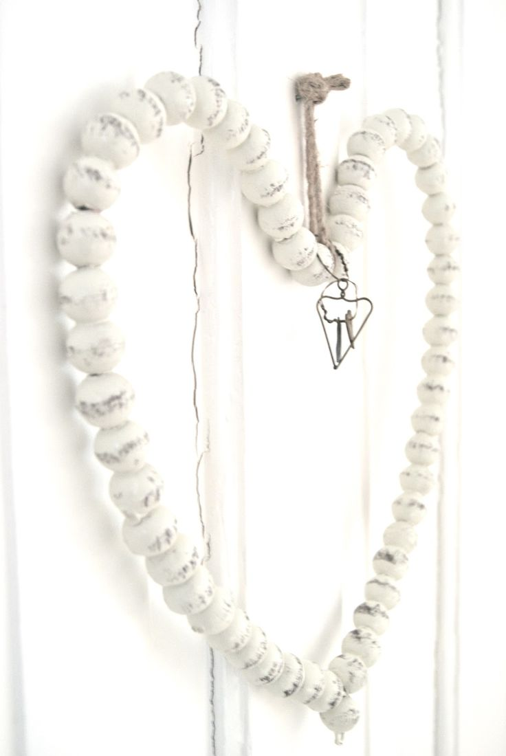 I bet i know someone who could gather some ribbon on a wire and make this heart!