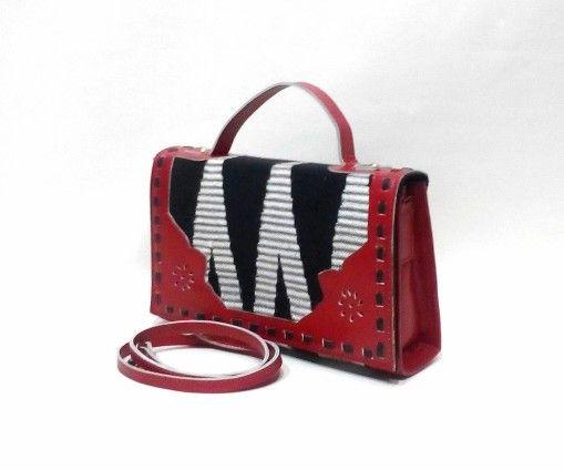 Using RangRang Lombok mix Premium Cow Leather. 25×15×6cm IDR.375.000,-