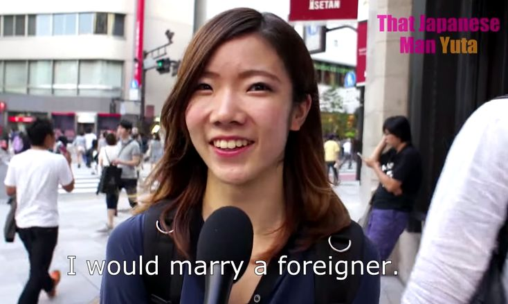 Japanese girls interviewed on their thoughts about mixed-race relationships【Video】