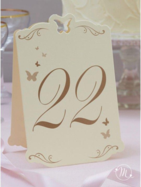 Segnatavolo farfalle oro 13-24.  Originale segnatavolo in cartoncino.  Ogni numero è stampato in oro.  I numeri vanno da 13 a 24.  Misure: 15.5 cm x 10 cm.  Ordine minimo 12 pezzi e multipli di 12. In #promozione #matrimonio #weddingday #ricevimento #wedding #segnaposto #segnatavolo #decorazioni #sconti #offerta