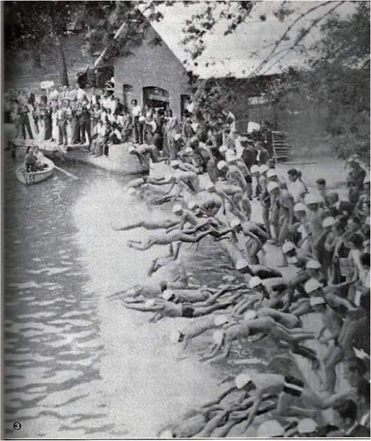 Bañistas en el Lago de la Casa de Campo de Madrid.