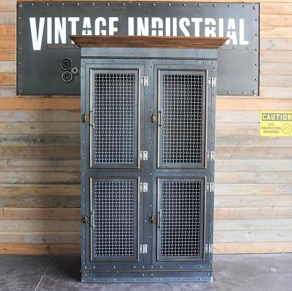 Vintage industrial armoire storage cabinet - Mobiliario industrial vintage ...