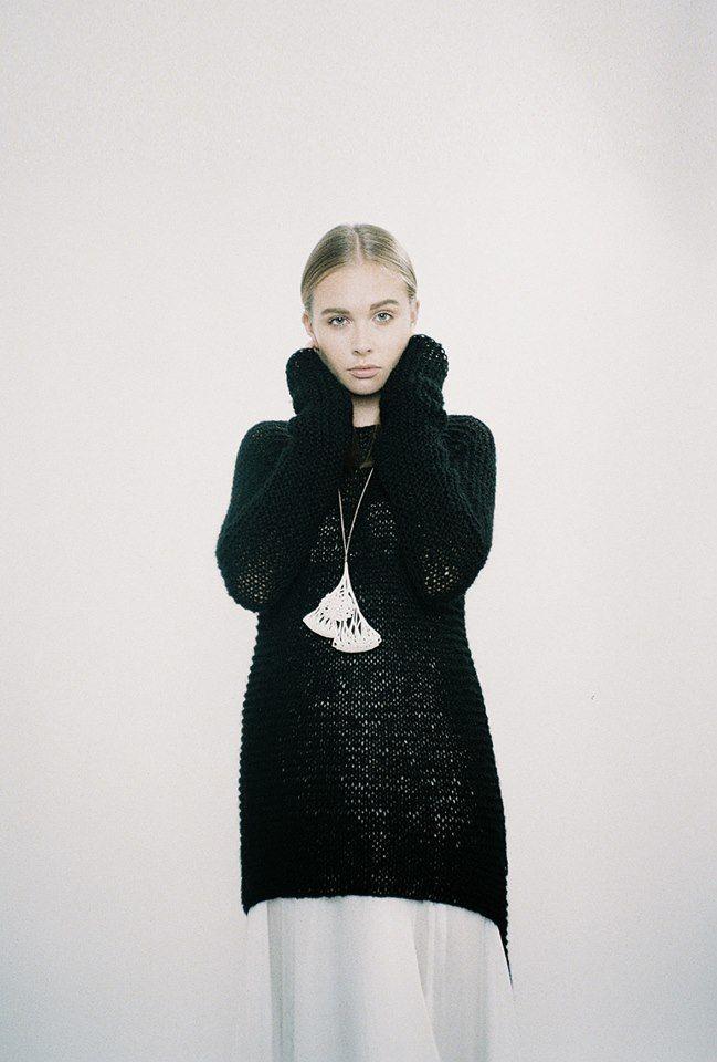 leeda // hand-knitted pullover