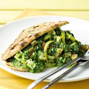 Recept - Spinaziecurry met kaas en naanbrood - Allerhande. Speltbrood ipv naanbrood en je bent helemaal Voedselzandloper-proof!