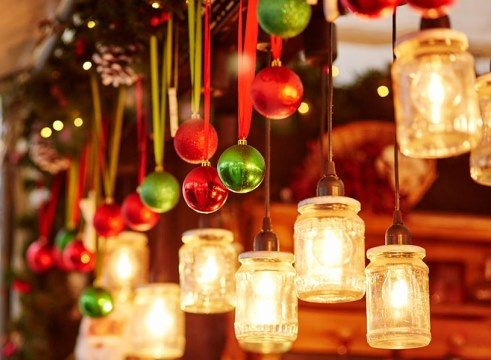 Visit Christmas markets in Venice or choose less famous Veneto towns such as Padua, Vicenza or Treviso to enjoy the magic atmosphere of Xmas!