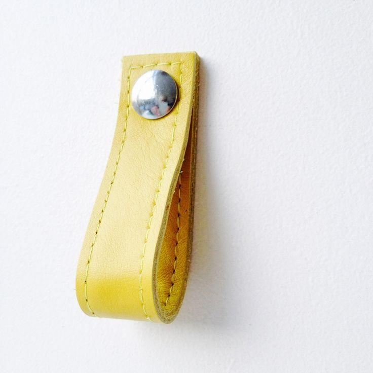 Leren handgreep lus |geelLeren lus voor op een kastdeur of lade! Afmetingen…