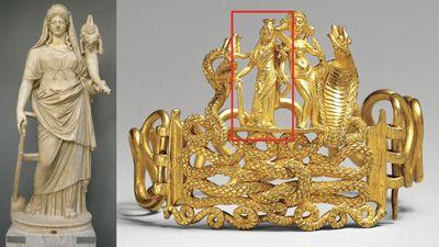 Observe como se trata de la misma deidad pagana Isis-Fortuna mostrada a la derecha en el brazalete (dentro del recuadro rojo) encontrado en Egipto, con la diosa romana Fortuna (de la izquierda), esta estatua ahorita está en exhibición en el Museo del Vaticano.