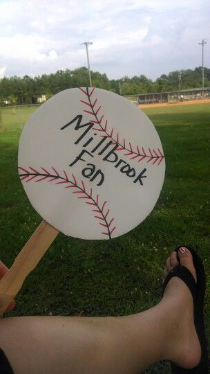Such a cute baseball idea to keep cool!  One of our moms made these for the parents of out All Star team.  Baseball craft.  Baseball mom.  Think I'll make these for the early season football games!