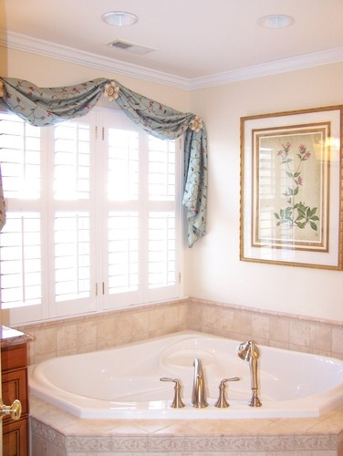 1000 images about bathroom window treatment ideas on for Bathroom window treatments