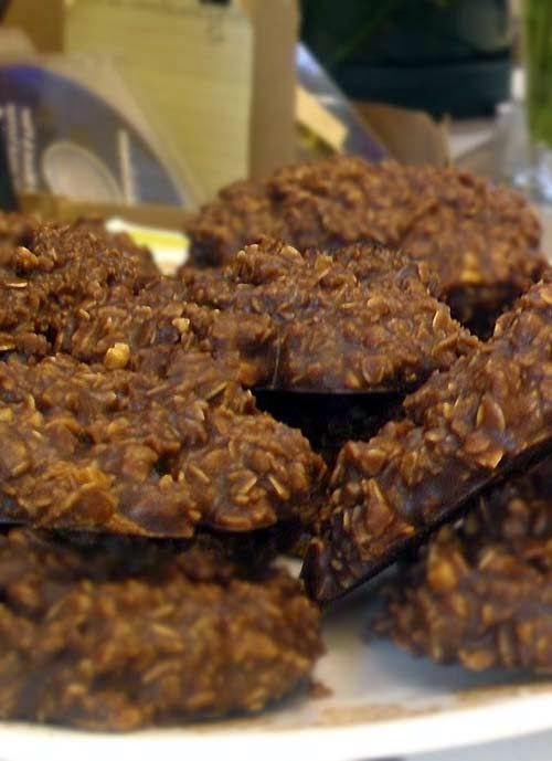 Easy No Bake Chocolate and Peanut Butter Oatmeal Cookie Recipe