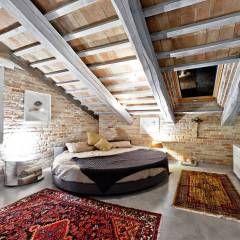 House 1: Camera da letto in stile In stile Country di Opera s.r.l.