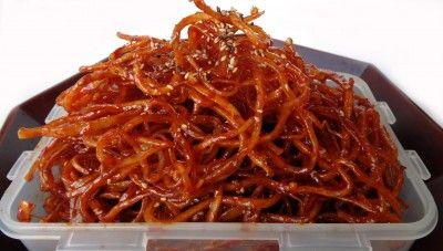 Seasoned dried shredded squid (ojingeochae muchim)