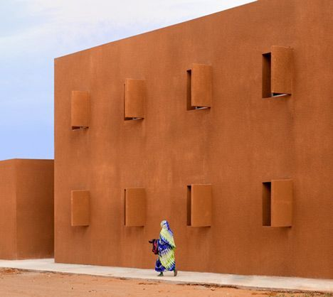 Taroudant university. The architecture is deliberately massive, closed on the east-west direction while open north-south, with an architectural feature allowing natural ventilation and thermal and acoustic comfort.
