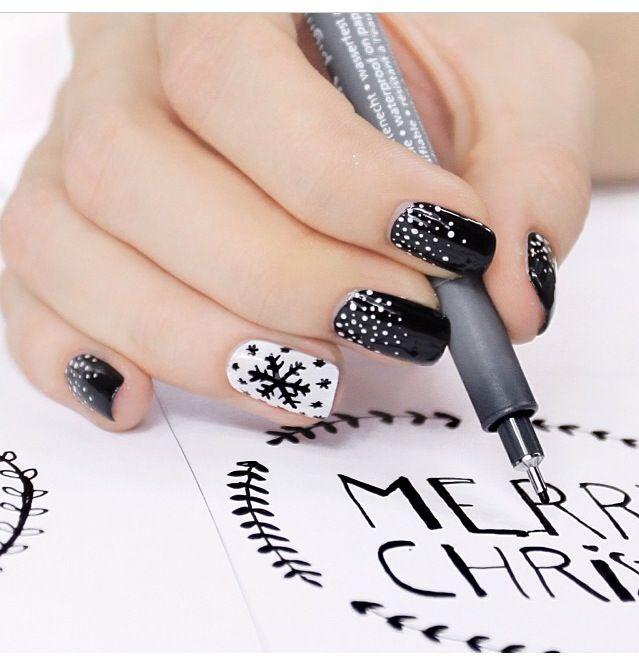 Snowflake black & white nail design