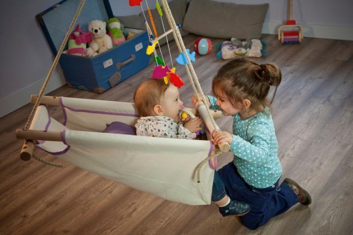 Kounia Bella: η πανέμορφη χειροποίητη κούνια που ηρεμεί το μωρό και ξεκουράζει τη μαμά