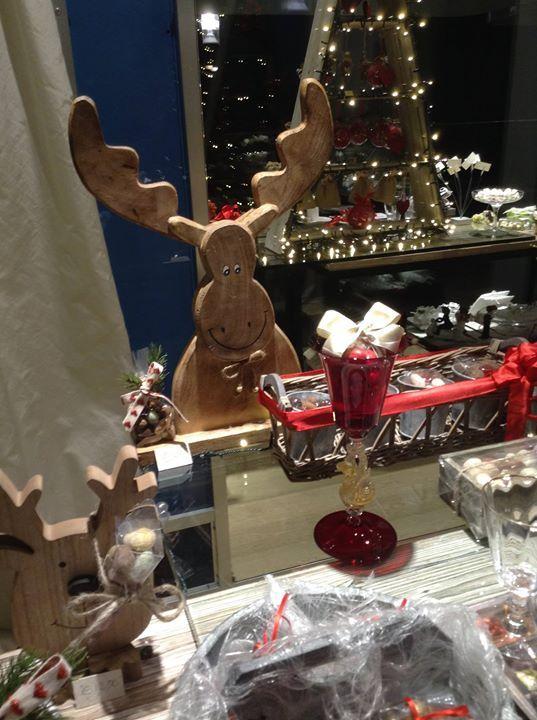 Vi ricordiamo di prenotare per tempo le vostre confettate natalizie cioccolatose per andare a cena dai vostri amici o i vostri segnaposti per le cene di festa a tema o con  il colore della tovaglia .....