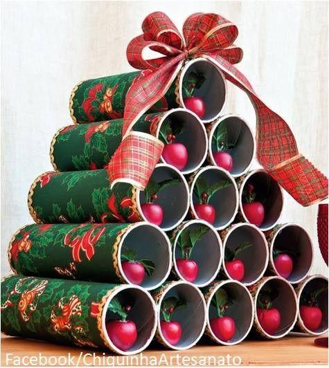 Árvore de Natal feita com Embalagens Pringles... https://www.facebook.com/pages/Chiquinha-Artesanato/345067182280566